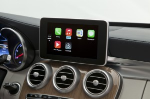 Mercedes-Benz + Apple CarPlay