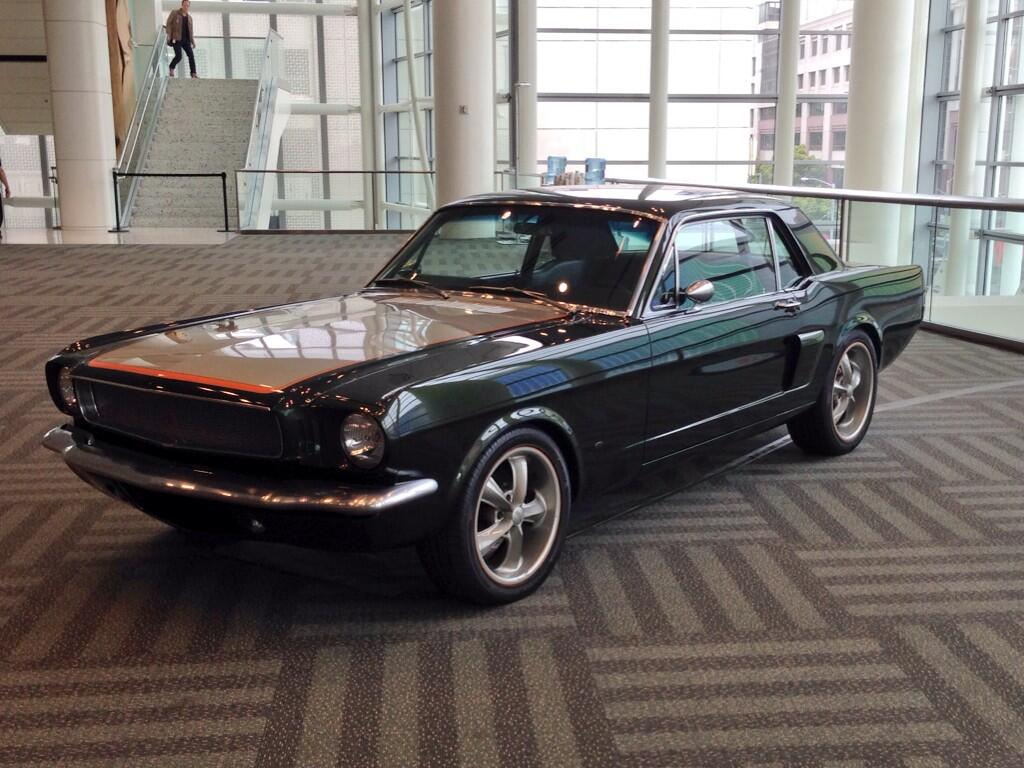 WWDC 14 - Ford Mustang
