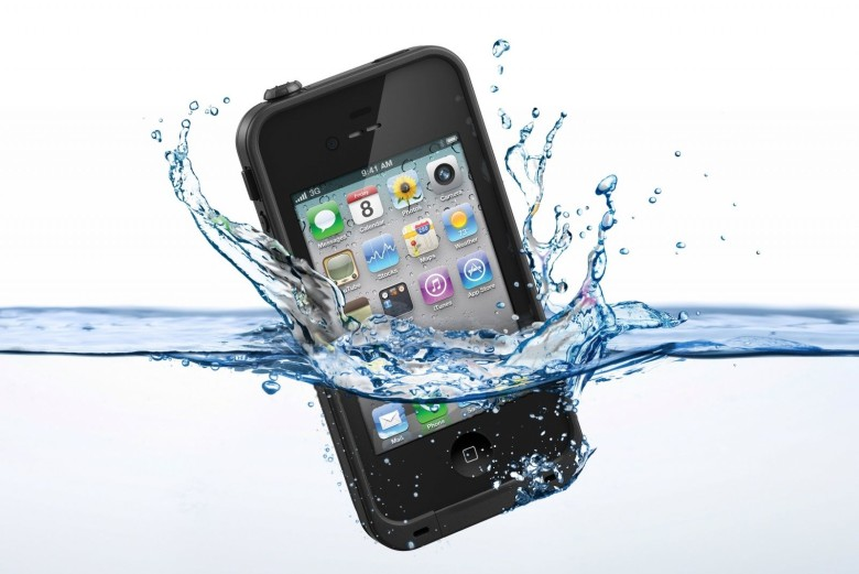 Waterproof-iPhone-Case-780x521